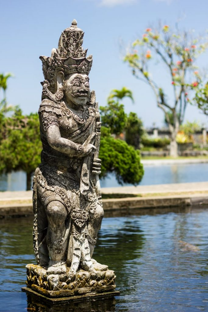Statue Taman Tirta Gangga