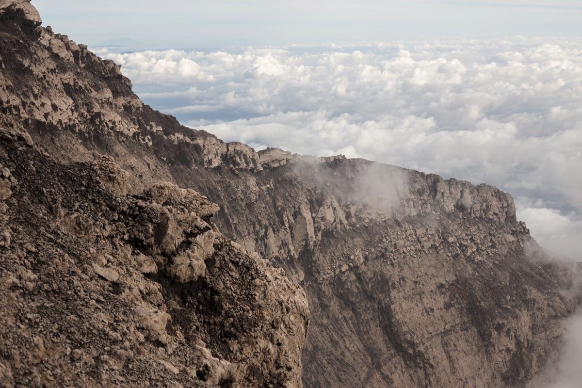 Kerinci crater