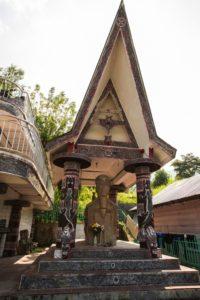 Batak graves