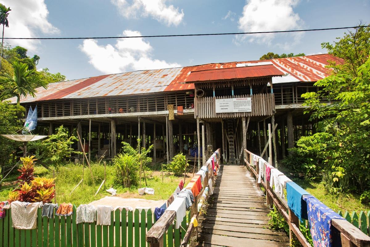 Semangkok longhouse Kalimantan